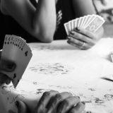 カードゲーム ギャンブル